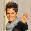 Halle Berry Gives Us A Wave Outside Of Jimmy Kimmel's Studio