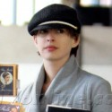 Anne Hathaway Picks Out Books At The Store