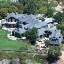 Jessica Simpson Moves In To Former Osbourne Mansion