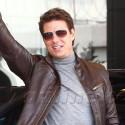 Tom Cruise Promotes <em>Oblivion</em> In Taiwan