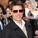 Tom Cruise Loves His Fans!