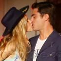 Zac Efron Locks Lips With A Sexy Lady