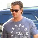Chris Hemsworth Looks Sexy On Set