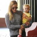 Hot Mom Hilary Duff Rocks Her Skinny Jeans