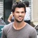 Taylor Lautner Films <em>Tracers</em> On Streets Of New York