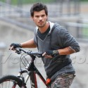 Taylor Lautner On The Set Of Tracers