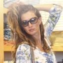 Gisele Bundchen Buys Clothes For Her Kids
