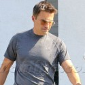 Olivier Martinez Wears Gold Wedding Band When Grocery Shopping