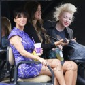 Khloe Kardashian Flips Off The Paparazzi