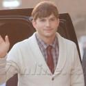 Ashton Kutcher And His Co-Stars Attend The <em>Jobs</em> Premiere