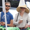 Anne Hathaway And Husband Pick Up Groceries