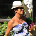 Halle Berry Is Pregnant And Huge!