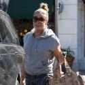 LeAnn Rimes Shops In Calabasas