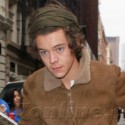 Harry Styles Is Mobbed By Fans While Shopping
