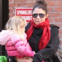 Bethenny Frankel Steps Out In The Big Apple With Her Daughter