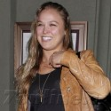 Ronda Rousey Shows Off Her MMA Moves At Dinner