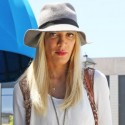 Tori Spelling Indulges In A Little Retail Therapy