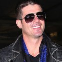 Robin Thicke Heads To Vegas For Billboard Music Awards