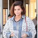 Selena Gomez Stops By Starbucks Amid Reports Bieber Wants Her Back