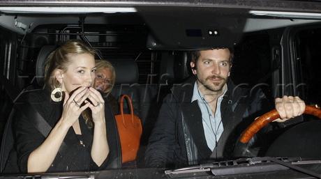 Bradley Cooper Kate Hudson mom ring