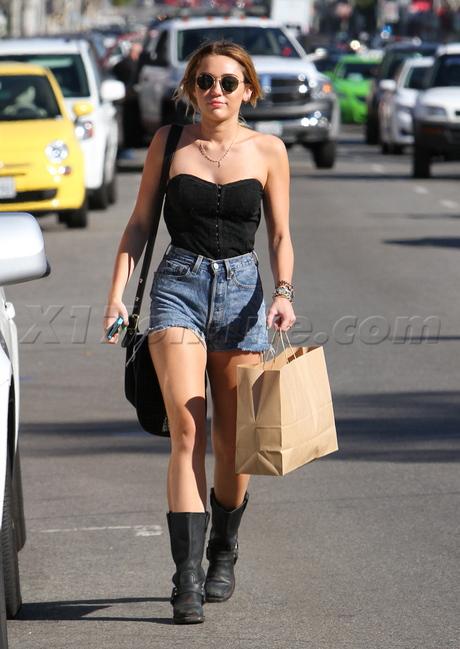 sunglasses Miley Cyrus  shorts boots shopping vintage jean shorts