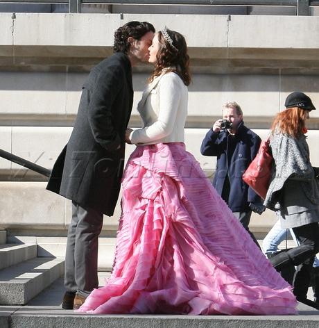filming dress gossip girl tiara Penn Badgley Leighton Meester