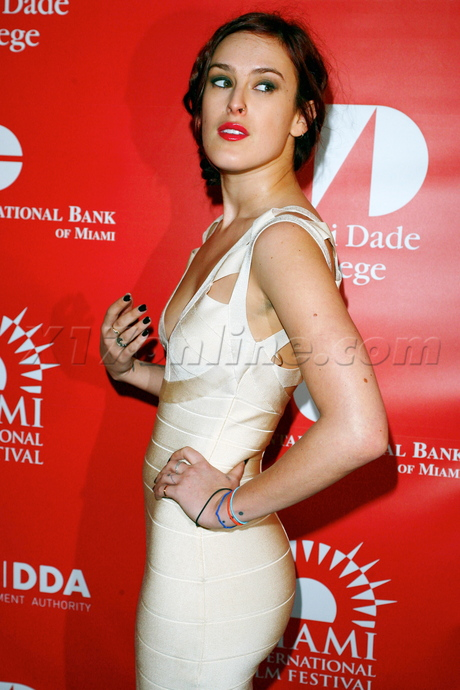 Rumer Willis miami florida dress red carpet