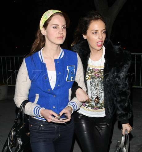 Lana Del Rey Is A Letterman Jacket Lady At The Lakers Game X17 Online X17 Online