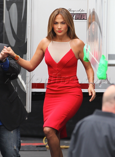 980345fe544 J. Lo Goes Low In Red Hot Dress At American Idol Taping - X17 Online ...