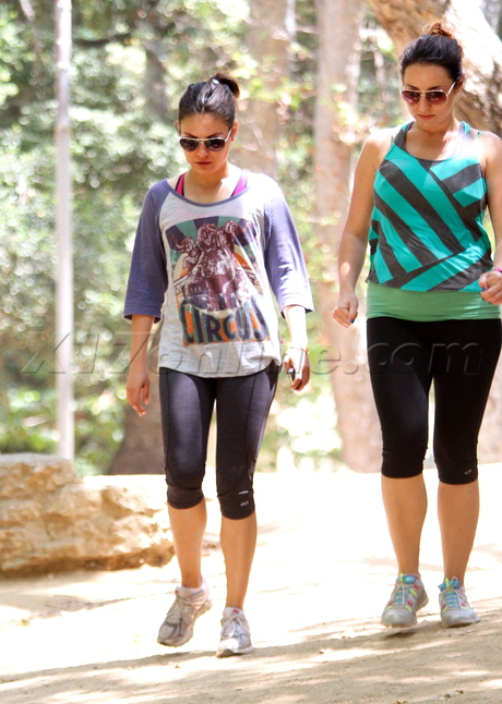 Mila Kunis hike tights Hollywood Hills