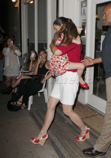 Katie Holmes  tom cruise divorce ice cream suri cruise shorts sundaes and cones