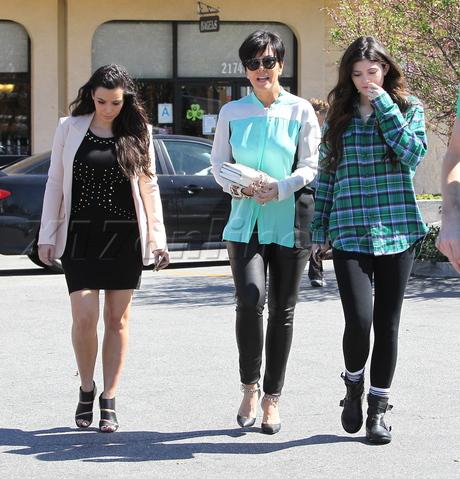 Kim Kardashian Beverly Hills Keeping Up With The Kardashians Kendall Kris Jenner