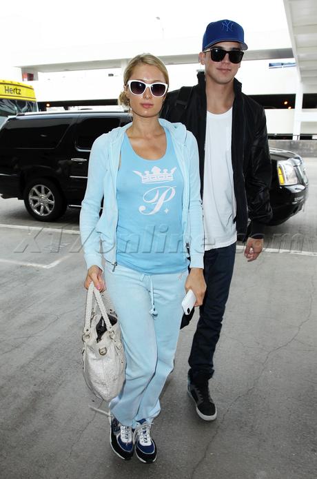 Paris Hilton river viiperi nipples boobs tank top blonde sunglasses airport lax
