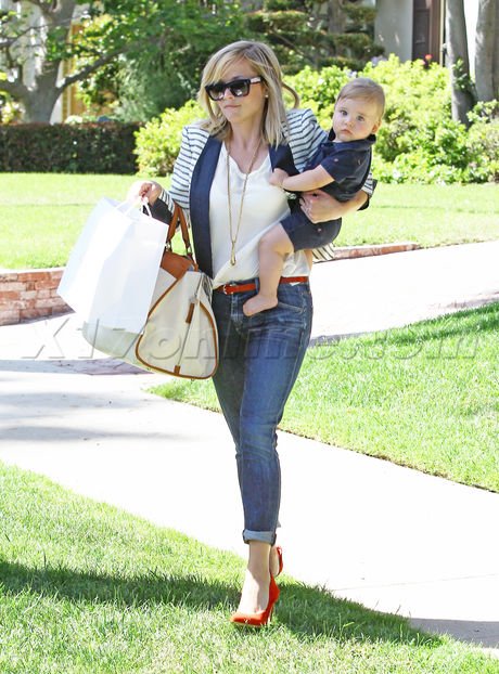 Reese Witherspoon santa monica baby denim cute adorable tennessee toth jim toth stripes blazer heels