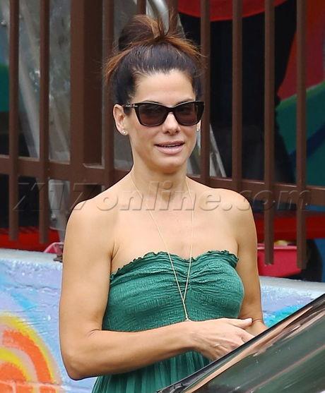 Sandra Bullock No Bra