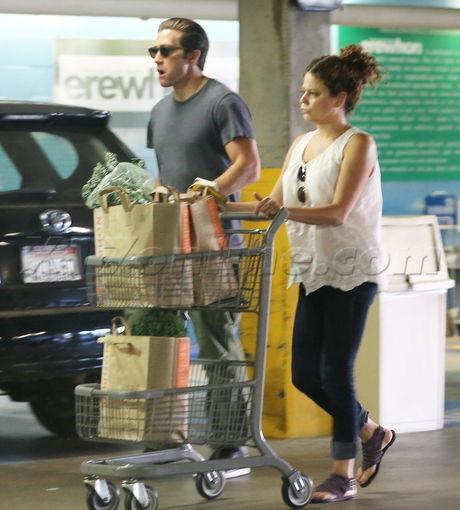 Jake Gyllenhaal eating parking garage food erewhon natural foods Erewhon Natural Foods