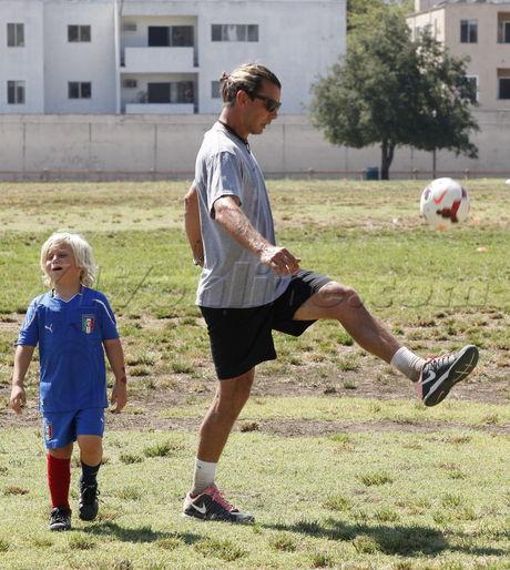 Gavin Rossdale soccer Kingston Zuma Gwen Stefani