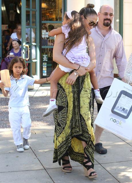 Jennifer Lopez Emme Max