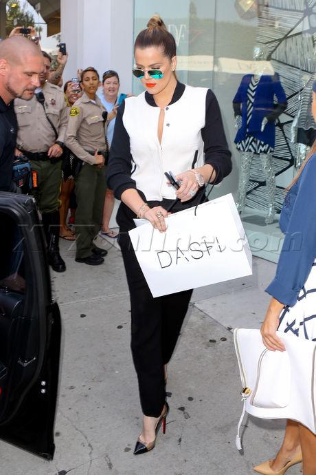 Khloe Kardashian Kourtney Kardashian dash reality tv skirt fashion
