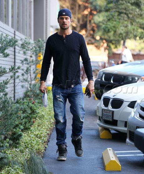 Josh Duhamel Brentwood dad Fergie jeans