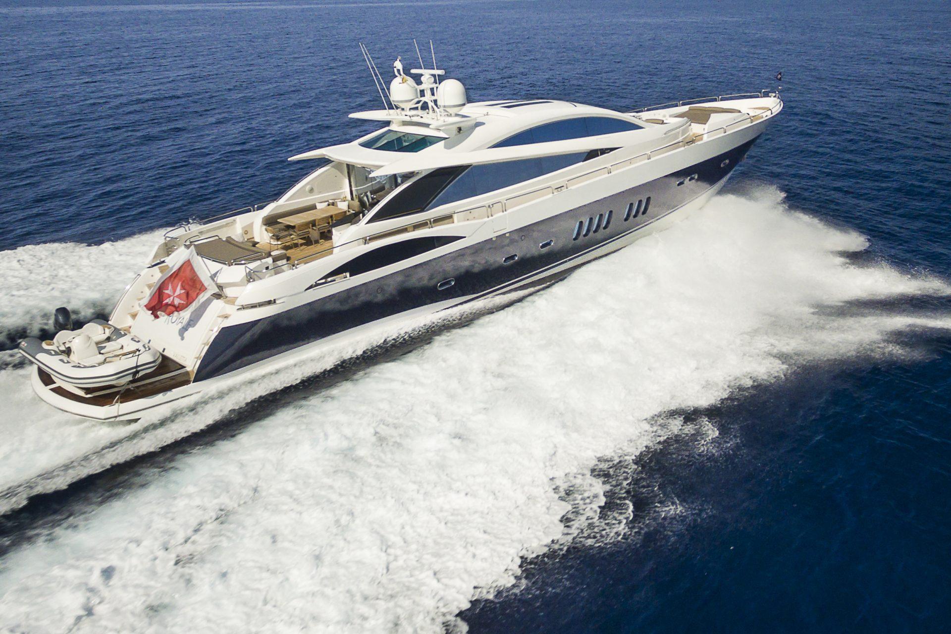 Casino royale yacht cost tigre casino argentina