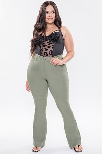 Junior Plus Size Hyperstretch Basic High-Rise Flare