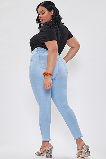 Junior Plus Size WannaBettaButt Mid-Rise Skinny Jean Made With Recycled Fibers