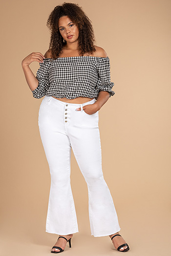 Junior Plus Size High-Rise Frayed Flare Jean
