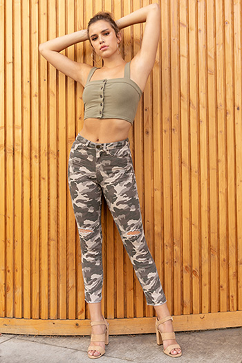 Junior Camo Ankle Pant with Fray Hem
