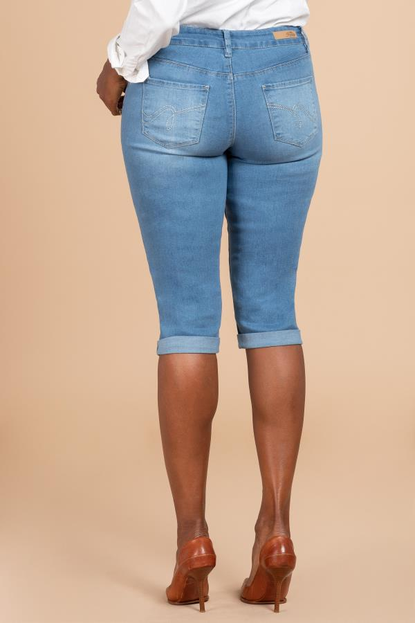 Women Basic Cuffed Denim Capri