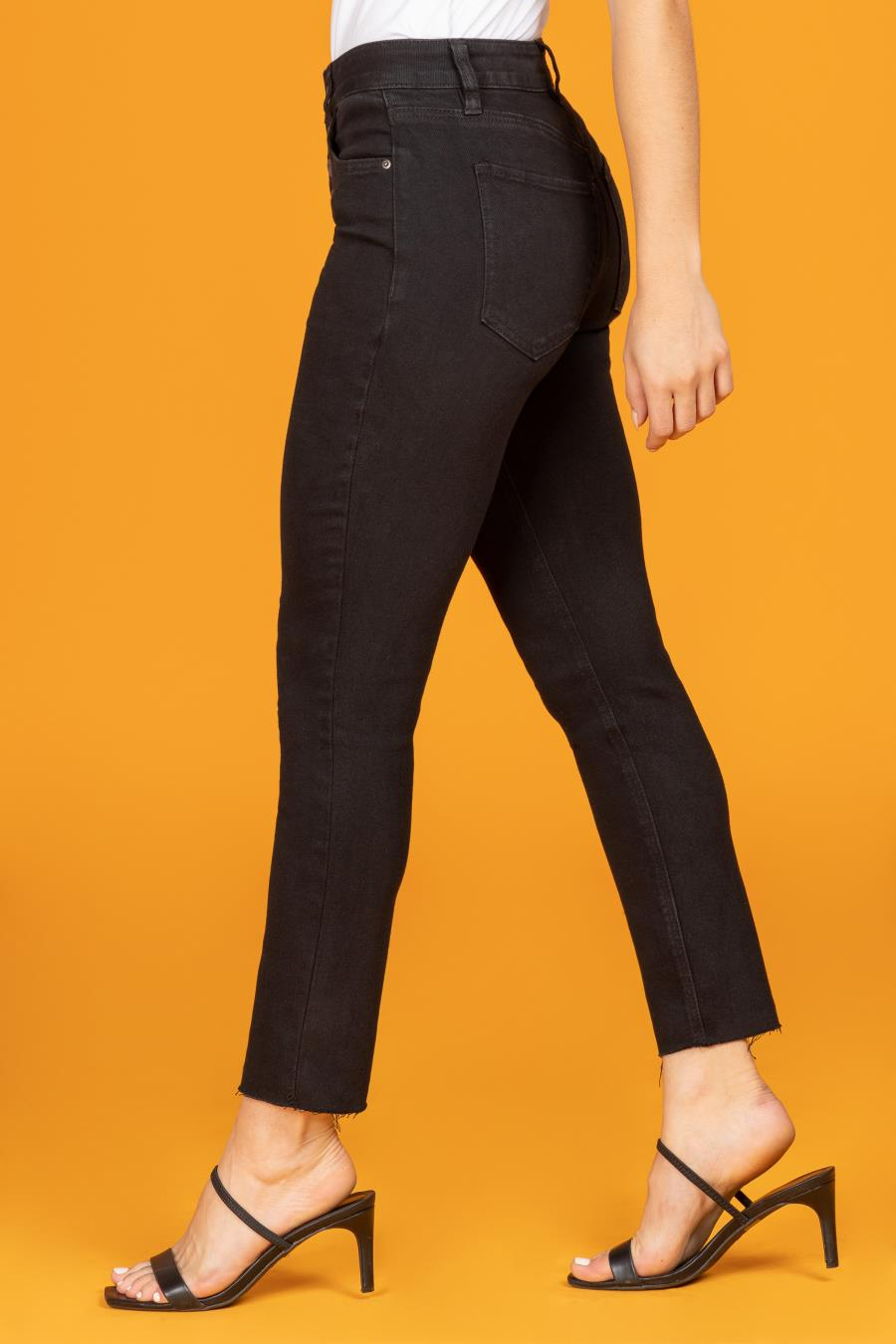 Womens Vintage Dream High-Rise Straight Jean With Unfinished Hem