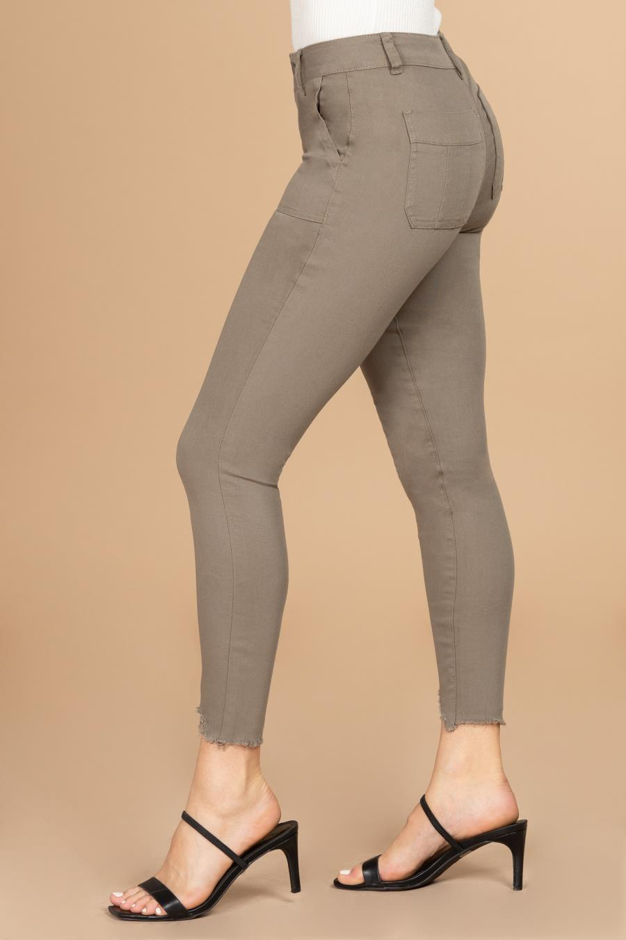 Women Mid-Rise Ankle Jean with Patch Pockets