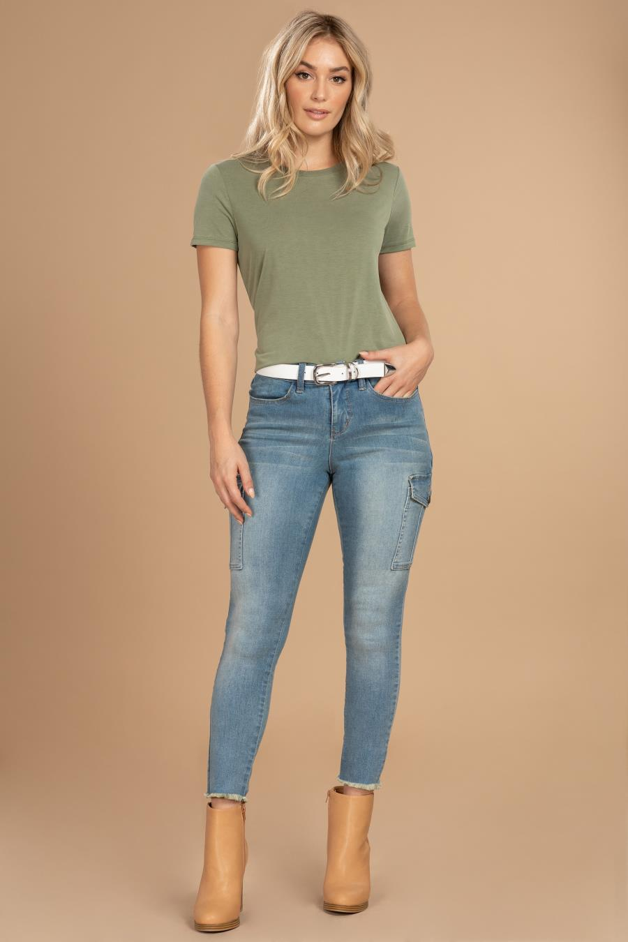 Women Mid-Rise Cargo Ankle Jean With Frayed Hem