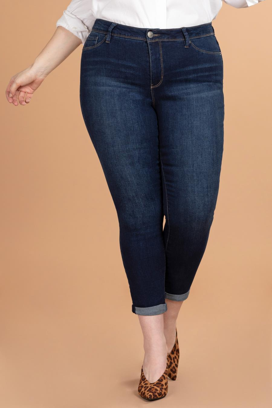 Women Plus Size Basic High-Rise Rolled Cuff Ankle Jean